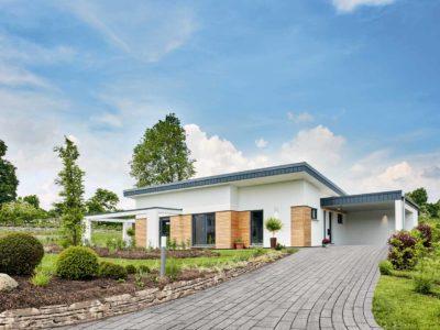 """Die Kompakte Bauweise des Bungalows """"Nivelo"""" bietet ausreichend Platz für kleine Familien und Paare."""